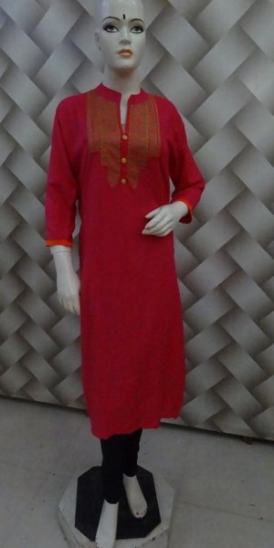 Decent Kurtie Thread Work on Neck & Rani Color