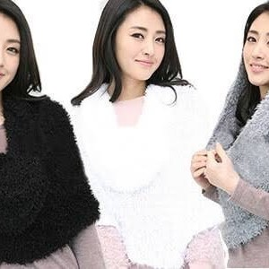 Girlish Woolen Stole